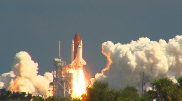 STS-115 Atlantis launch [© CC BY-NC-ND 2.0 Jason Mitchell https://www.flickr.com/photos/alpha262/]
