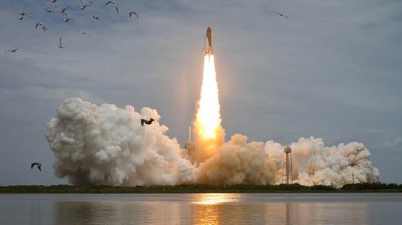 Space Shuttle STS-135 Atlantis [© CC BY-NC-ND 2.0 NASA HQ Photo https://www.flickr.com/photos/nasahqphoto/]