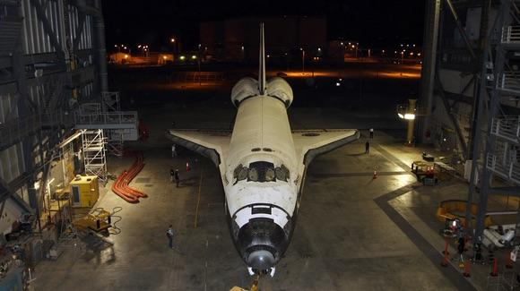 Space Shuttle Discovery rollout [© CC BY-NC-ND 2.0 NASA HQ Photo https://www.flickr.com/photos/nasahqphoto/]