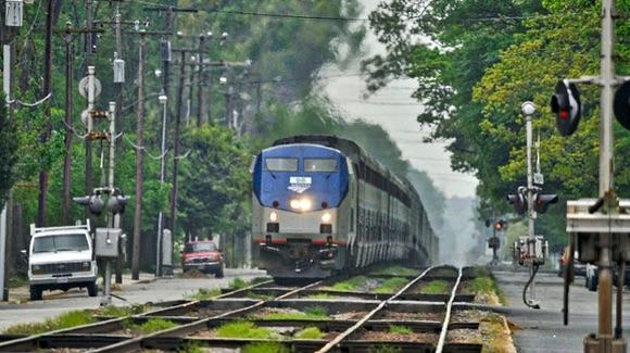 Amtrak Auto Train [© CC CC BY 2.0 John H Gray, https://www.flickr.com/photos/8391775@N05/]