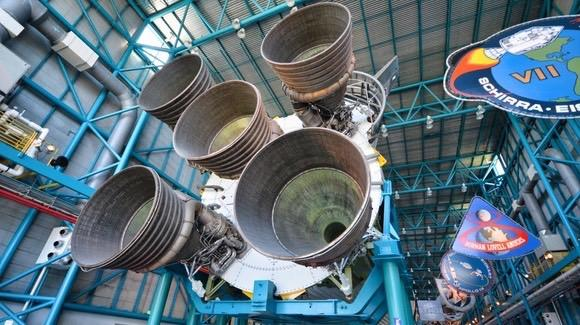 Saturn V rocket at the Kennedy Space Center [© floridareview.co.uk, all rights reserved]