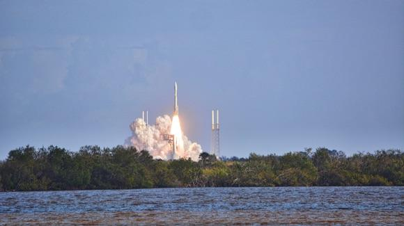Atlas V launch viewed from the Apollo Saturn V Center viewing area