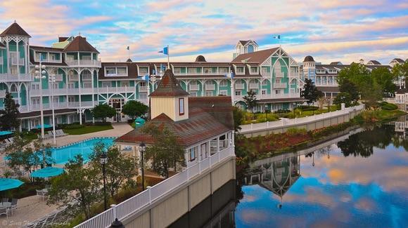 Disney's Beach Club Villas [© CC BY-NC-ND 2.0 Scott Thomas https://www.flickr.com/photos/sthomasphotos/]