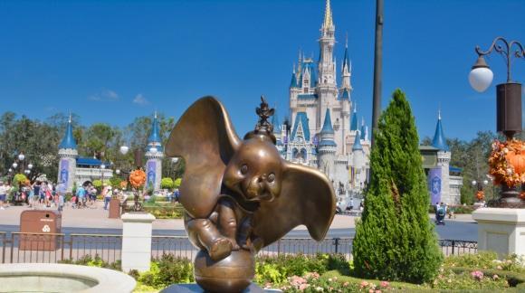Dumbo statue in front of Cinderella Castle