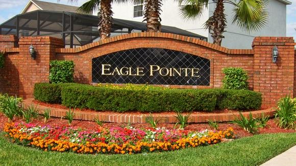 Eagle Pointe entrance