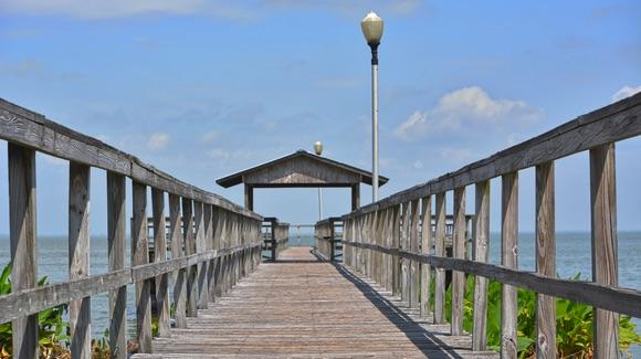 Fishing pier at Lake Apopka