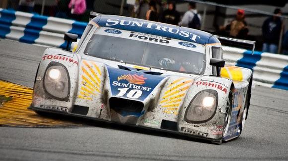 Rolex 24 at Daytona [© CC BY-NC-SA 2.0 Jeff Nickel, https://www.flickr.com/photos/nickelmedia/]