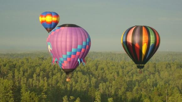 Hot Air Balloons [© CC BY 2.0 highlander411 https://www.flickr.com/photos/highlander411/]