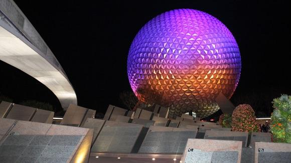 Leave a Legacy at Epcot [© CC BY-NC-ND 2.0 Sam Howzit https://www.flickr.com/photos/aloha75/]