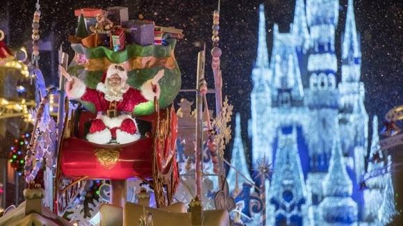 Mickey's Once Upon a Christmastime Parade [© Disney. All rights reserved]