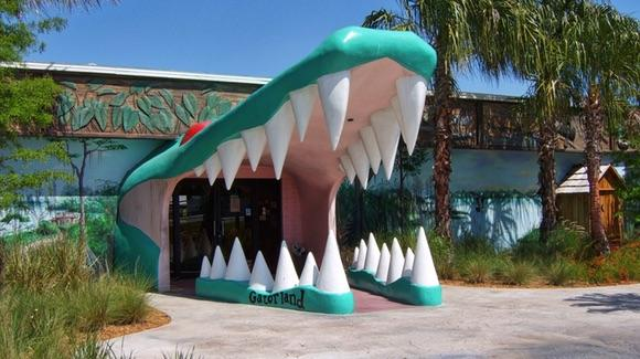 The famous gaping alligator jaws at Gatorland before the fire