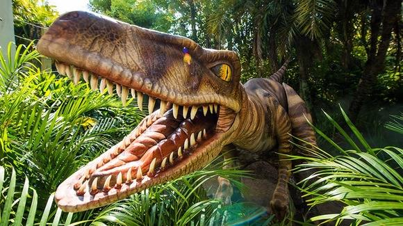 Raptor Encounter [© 2015 Universal Orlando Resort. All rights reserved]