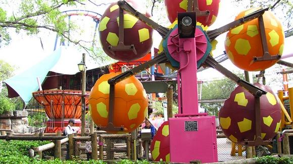 Sesame Street Safari of Fun [© CC-BY 2.0 Jeremy Thompson, https://www.flickr.com/photos/rollercoasterphilosophy/]
