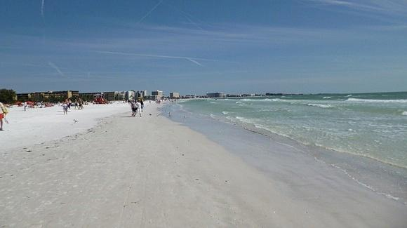 """Siesta Key Beach, ranked first in USA by """"Dr. Beach"""" in 2011 & 2017  [© 2020, floridareview.co.uk, all rights reserved]"""