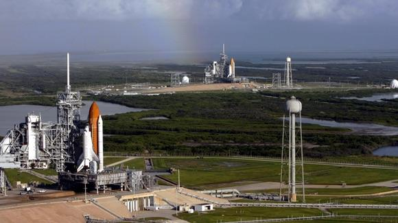 Atlantis and Endeavour on the launch pad [Wikimedia Commons image, courtesy of NASA/Troy Cryder]