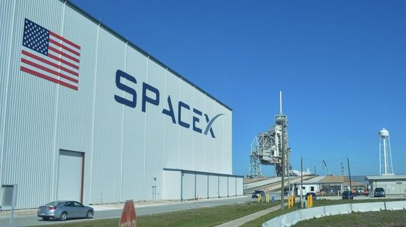 SpaceX building at launch pad 39A