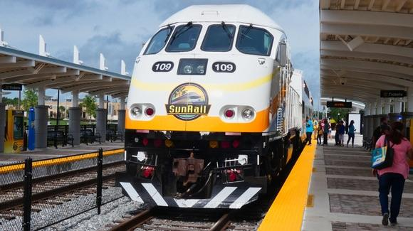 SunRail train at Poinciana Station [© 2019, floridareview.co.uk, all rights reserved]
