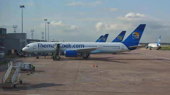 Thomas Cook Boeing 757 at Manchester