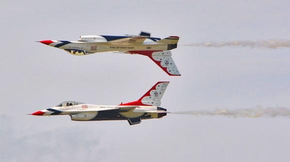 U.S. Air Force Thunderbirds flying in mirror formation