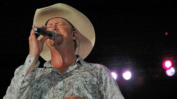 Tracy Lawrence [Jack Newton, http://www.flickr.com/photos/41401996@N00/2201362873]