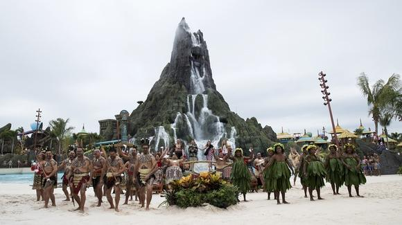 Volcano Bay on opening day [© 2017 Universal Orlando Resort. All rights reserved]